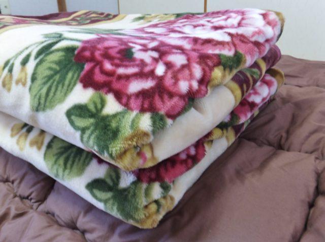 ポリエステルの毛布